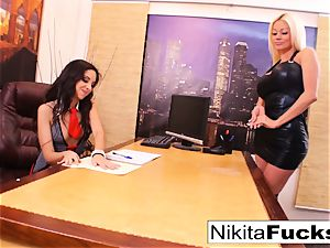 Nikita's girl/girl office screw