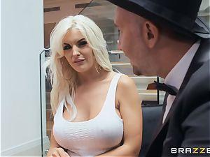 super-sexy blond Tommie Jo taking it deep in her labia