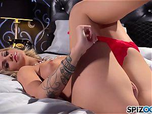 super hot honey Jessa Rhodes uses her fuck stick