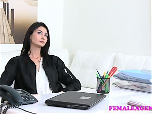 FemaleAgent Agent plumbs steamy stroking model