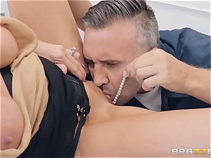 Emma Starr taking it rock hard from Keiran Lee
