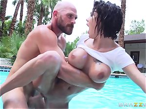 chesty Peta Jensen - sloppy hook-up by the pool