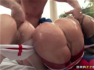 buttfuck fuck-a-thon with trio super-naughty fat bootie broads Krissy Lynn, Nikki Delano and Rose Monroe