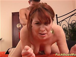 ginger-haired stepmom need a powerful lollipop