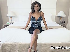 big-titted dark-hued beauty Lola lubed to suck sausage