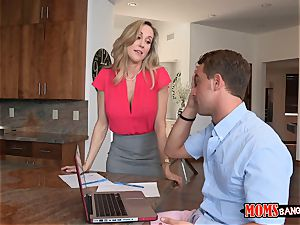 Brandi love helps Taylors boyfriend to relieve