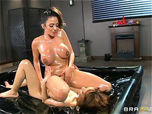 Oily rubdown act with Ariella Ferrera and Adessa Winters