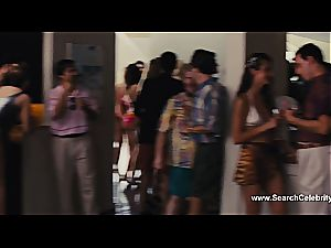 Margot Robbie naked in The cub of Wall Street