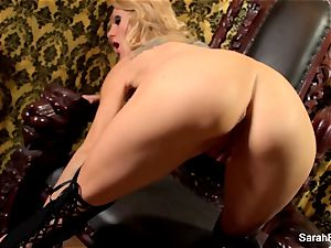 big-chested blonde Sarah Jessie plays with her labia