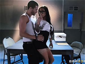 Brandy Aniston plumbs the large weenie of a very horny dude