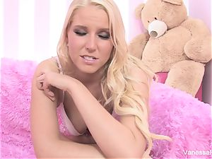 Interview and drilling with ash-blonde ultra-cutie Vanessa cage