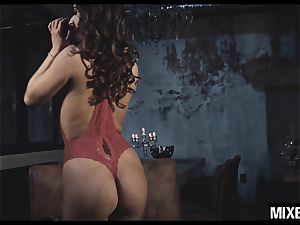 steaming Amirah Adara gets her bootie spread by monster chisel