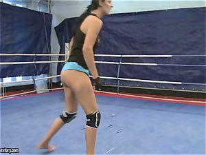 Emma rump and Larissa Dee female sizzling fight