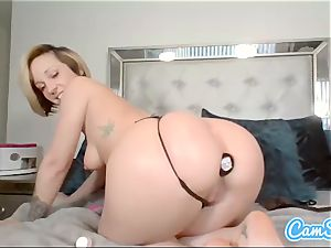 Buttplugged honey thumbs