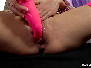 Sarah Jessie nails herself with a pink fucktoy