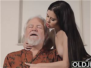 nubile Interrupts granddad from Yoga And inhales his fuckpole